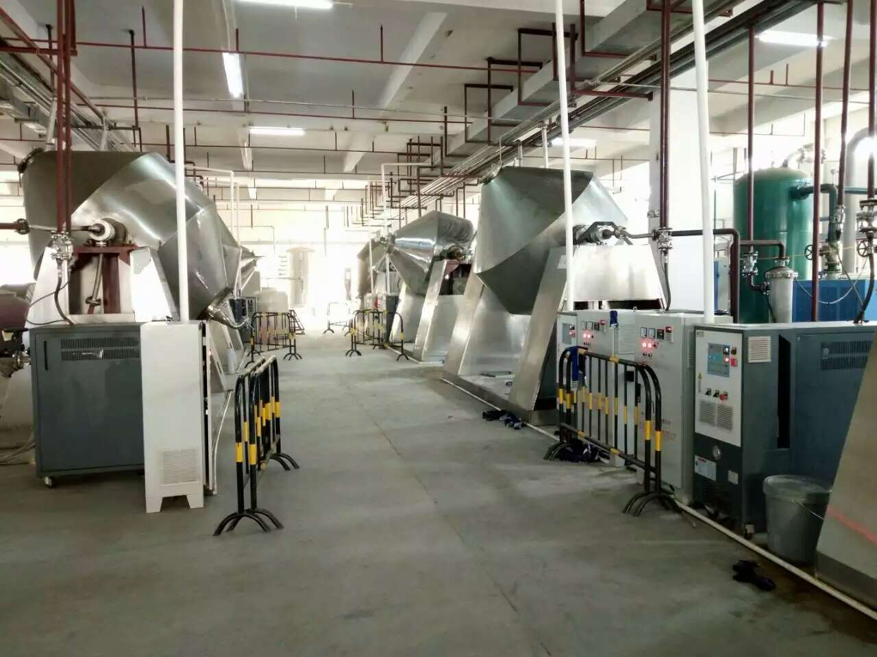 双zhuizhenkong回转干燥机行业导reyou电加re器的应yong